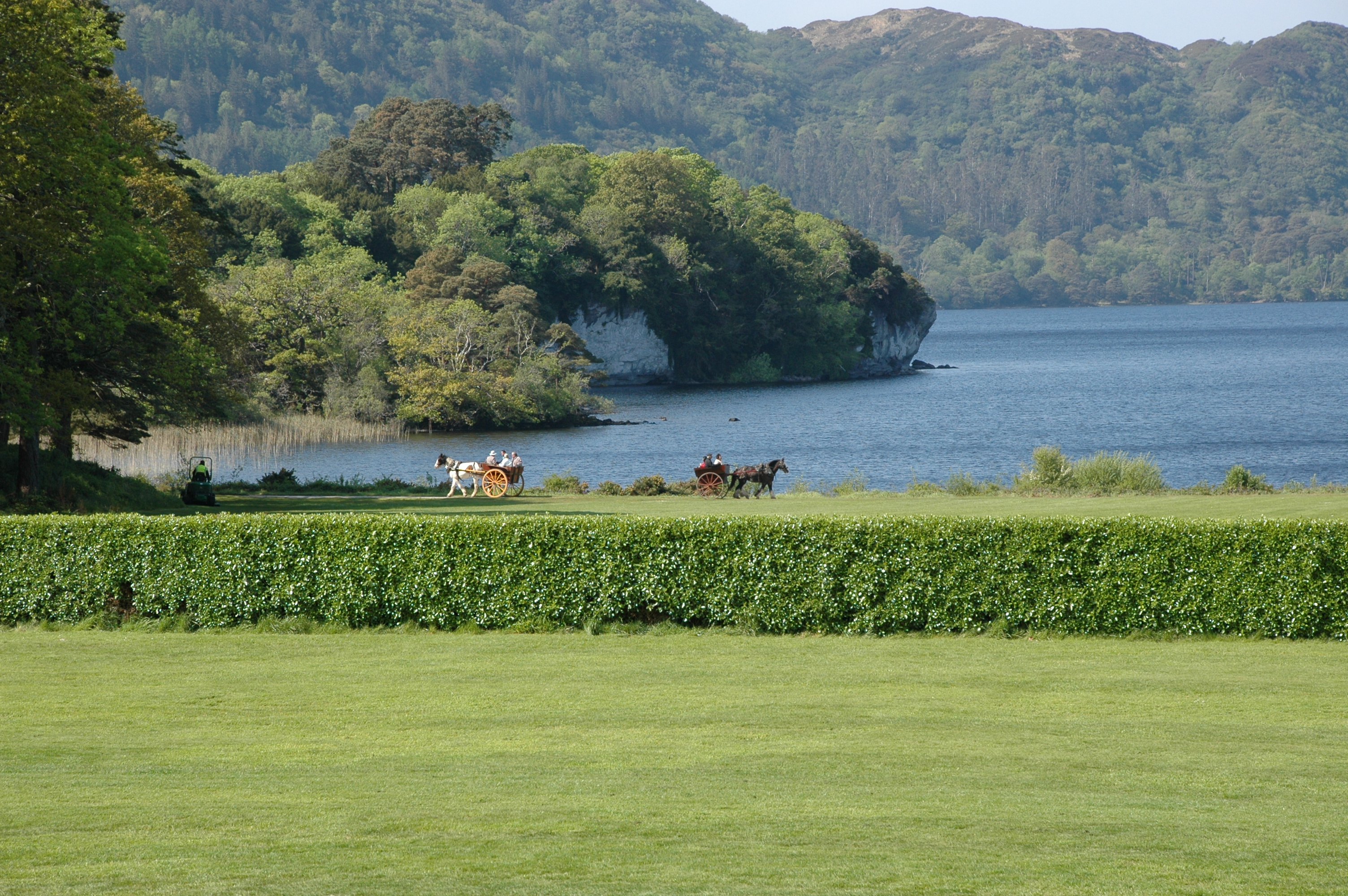 HEAVY TRAFFIC BY MUCKROSS BAY (J O'GRADY)